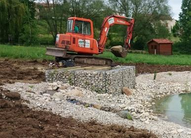 Habillage en gabion du local de filtration